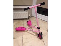 Junior Sporter Flickr style scooter in pink