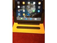Apple iPAD in excellent condition like new with a beautiful leather case
