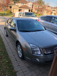 2009 Ford Sedan -amazing condition, only 95,000 km!!