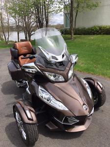 MOTO CanAm Spyder RT Limited, kilométrage minime, négociable