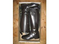 Mens size 8 riding boots in brown leather