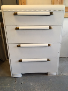 4 drawer dresser, painted white