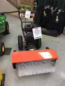 ARIENS POWER BRUSH 28. Strathcona County Edmonton Area image 1