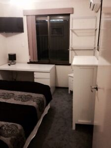 ROOM -SINGLE MALE-SHORT/LONG STAY/WIFI/BILLS INC.RENT.