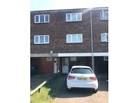 3 Bedroom House Located Moments From Greenford Tube