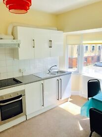 *** SELF CONTAINED 1 BED STUDIO - to rent ALL BILLS INCLUDED Place is refurbished and painted ***