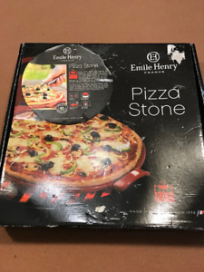Emile Henry Pizza Stone/France - still in box, never used