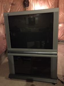 "36"" Panasonic TAU CRT TV"