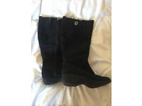 M and S Footglove boots 6