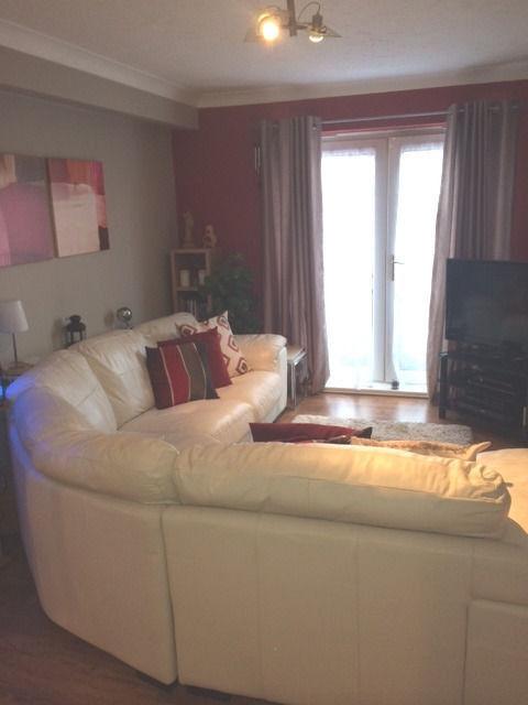 Spacious 2 Bedroom Flat in Goodmayes