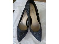 LADIES SIZE 6 black with blue chrystal