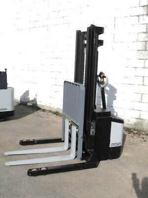 Crown Ws2300 - 40tl Walkie Stacker Electric Forklift 128 Lift 3500 Cap Ss