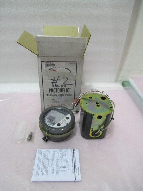 Dwyer Series 3000 Photohelic Pressure Switch/Gauge. 0-2 Inch Range, 419898