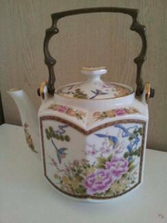 TEAPOT MADE IN JAPAN Ceramic HEXAGON ORIENTAL DESIGN brass handle