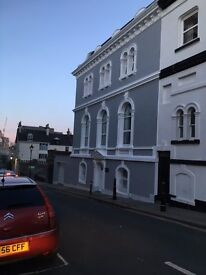 LOVELY DOUBLE ROOM TO LET IN PRIVATE LUXURY HOUSE, ON THE HOE, 2 MINS TO TOWN AND THE SEA,
