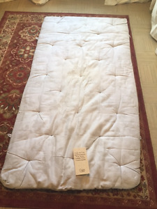 Twin wool mattress topper
