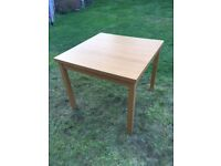 Dining Table & Chair Set: Extendable Oak Veneer Dining Table 90/129/168x90 cm and 6 chairs