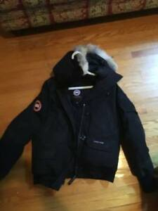 Small Women's Canada Goose Bomber Jacket London Ontario image 1