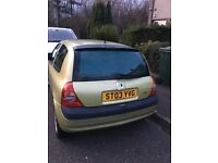 Renault Clio 2003 for sale - needs new battery and possibly starter motor