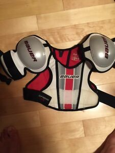 Bauer Shoulder Pads Youth XL