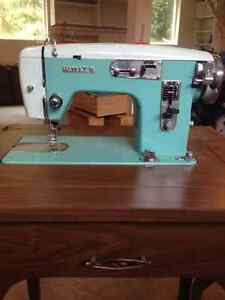 Sewing Machine - Vintage White