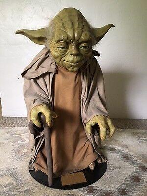 Star Wars Life Size Yoda Blockbuster Promo Statue 2000