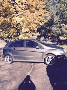 2011 MERCEDES BENZ B200 ONLY 108,000kms FOR SALE London Ontario image 6
