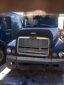 Parting Out: 2000 Freightliner ST 120
