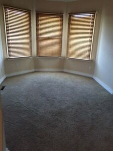 Lower unit character home in Sunalta. All utilities included!