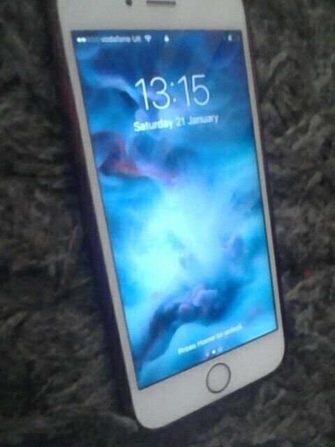 iPhone 6s rose gold Vodafone network..excellent conditionin Grays, EssexGumtree - iPhone 6s Rose gold on Vodafone network Comes with box headphones and charger