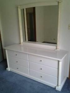 CORINTHIAN Dresser & Mirror (like new)  Discounted by $150. Rochedale South Brisbane South East Preview