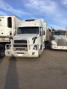 2014 Volvo D13 Semi Truck