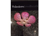 Palmiero Flower Ring in pink sapphires (15 ct) on 18 ct gold band. This is a truly beautiful piece.