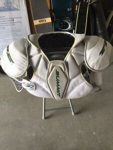 REDUCED. TPS Summit Hockey Shoulder Pads