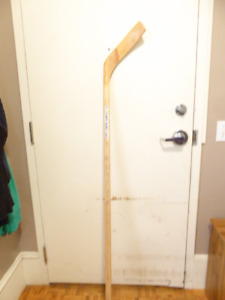 TORONTO MAPLE LEAFS 90s SOUVENIR NAME STAMPED HOCKEY STICK