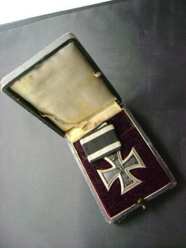 Original WW1 German Prussian 1914 Iron Cross 2nd Class Cased Medal  (2919)