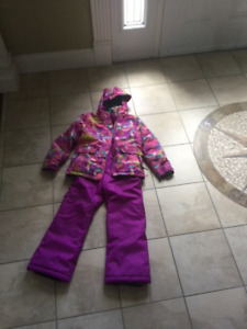 GIRLS SIZE 8 TWO PIECE SNOWSUIT:  GREAT CONDITION