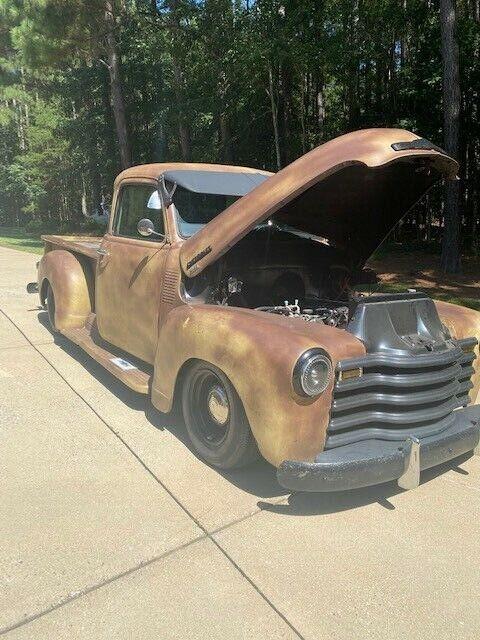 Sturdy patina 1951 Chevy 3100