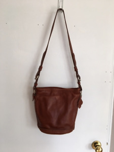 b4d8ff50fb91 ROOTS CROSSOVER BAG - LEATHER