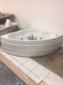 Whirlpool corner bath 1400x1400mm