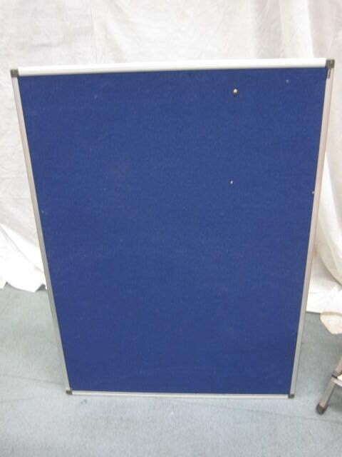 Felt Noticeboard . Blue colour . Brand : Niceday Size : 120cm*90cm