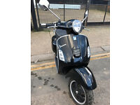 2013 Piaggio Vespa GTS 300 gts300 Super in Black great condition