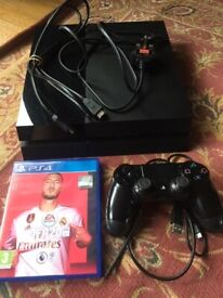 PlayStation 4 500GB - comes with controller and Fifa 20