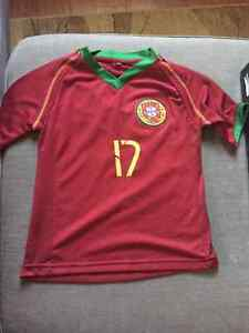 Like new Ronaldo Portugal jersey 2T Kitchener / Waterloo Kitchener Area image 2