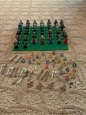 Lego knights/soldiers minifigure lot of 3.