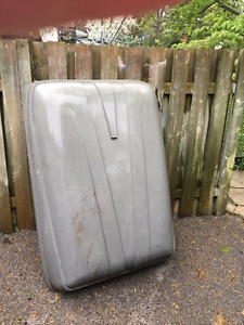 Free Roof top luggage storage container