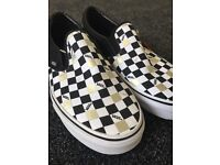 Vans unisex slip on classics, black and gold chequered - 6.5 and 8.5