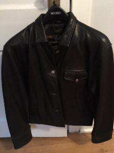 Adorable Danier Woman's Leather Jacket - for the fall!