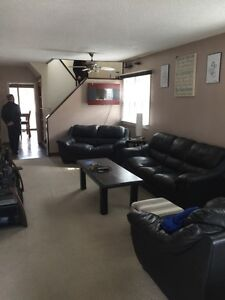 House for Rent Near Hospital Available Now! Sarnia Sarnia Area image 9