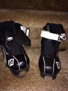 Cross Country Ski boots - Youth size 1.5